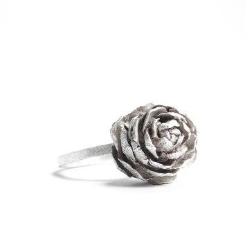 Anillo Piña en plata de la colección Rastros de otoño
